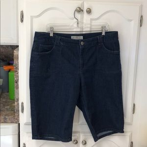 Faded glory size 18 W Jean shorts